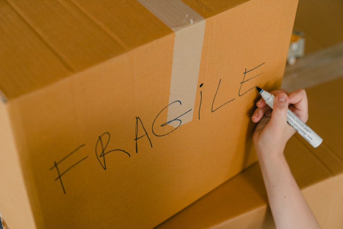 Squeezing Tips for Glassware and Fragile Items